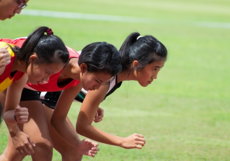 A Girls 800m Photo: Georges