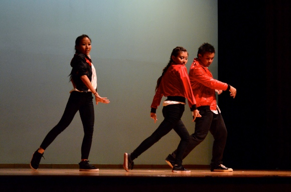 The Finale showcased many contemporary hit songs.