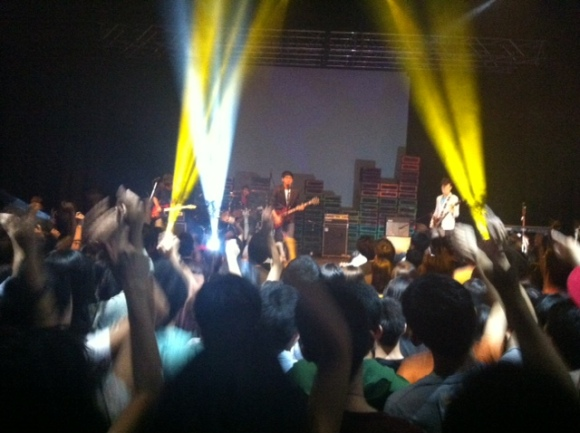 Eclectic Theatrics held nothing back in a thrilling performance marking the end of their Rock experience as a band.