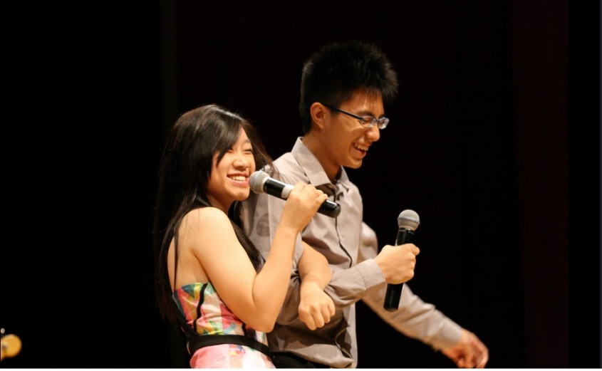 Mitchell Kwong and Xu Chengyin as Victor and Jenna