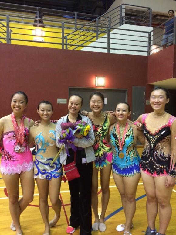 L-R: Chia Shing Leng, Soo Zhen, Coach Shen, Vivian Feng, Jessie Low, Lee Hui Min