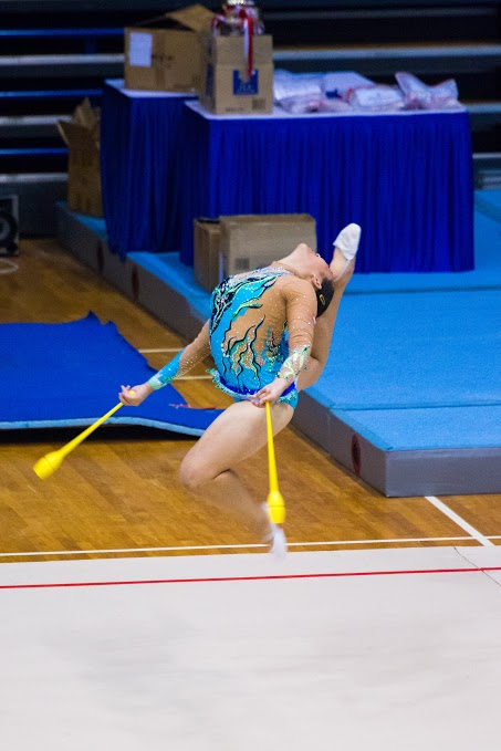 Jessie Low leaps to third place with her clubs routine