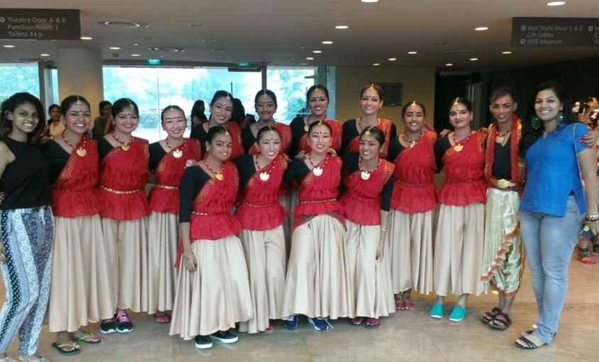 RI Indian dance before their performance.