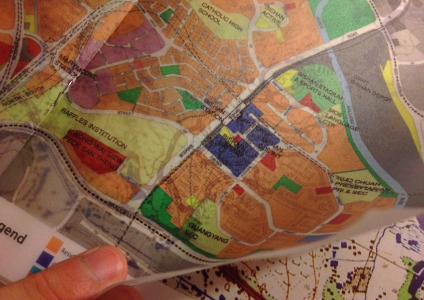 A translucent map of today's Bishan overlaid on a map of the very same area in 1945 – a simple yet fascinating and clear way of seeing how the place has changed.