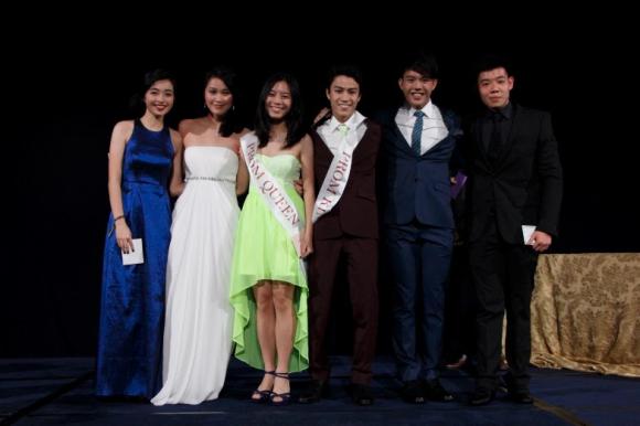 kami Prom Raja dan Ratu nominasi (dari kiri ke kanan: Seah Ying Lin Richelle Chan Mae Ang Yee, Hiak Juni, mereka Damien Chong, Shant dosa.)